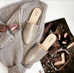 Shoes - 🆕️//The Glitz// Champagne Slide/ Flat